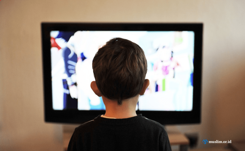 Ketika Televisi Menjadi Orang Tua Ketiga