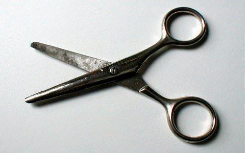 Fatwa Ulama: Bolehkah Wanita Memotong Rambutnya?
