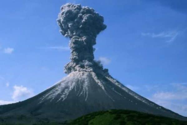 Ketika Gunung-Gunung Dihancurkan Dan Menjadi Debu Beterbangan