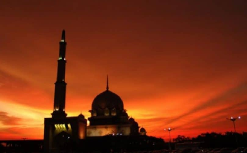 Fikih Azan (4): Hukum Azan