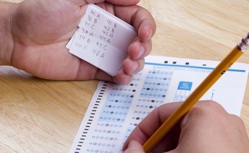 Dosa Menyontek Saat Ujian