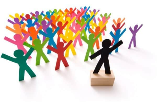 Fikih Dakwah: Menunda Hal Yang Dianjurkan Demi Mengikat Hati Masyarakat