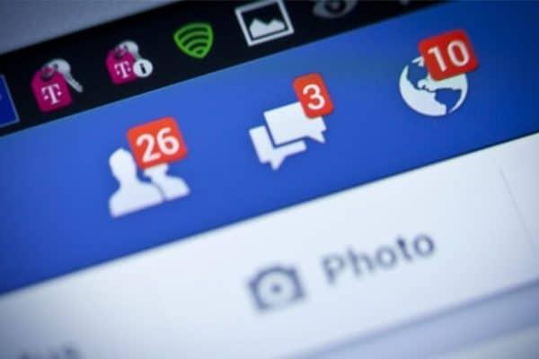 Hukum Berjualan Di Facebook Dan Beriklan Di Kolom Komentar