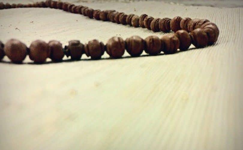 Penggunaan Jimat atau Rajah Tetap Syirik, Walau Berkeyakinan Sekedar Sebab (10)