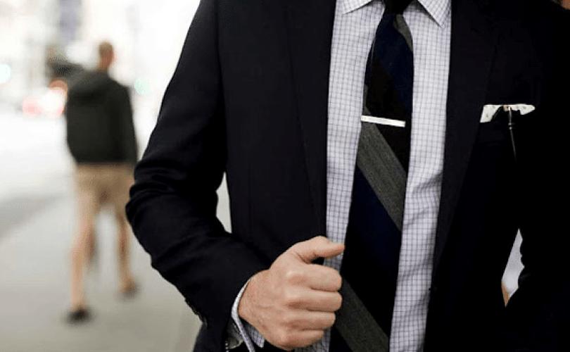 Apa Hukum Memakai Kawat Gigi Dan Mengenakan Dasi?
