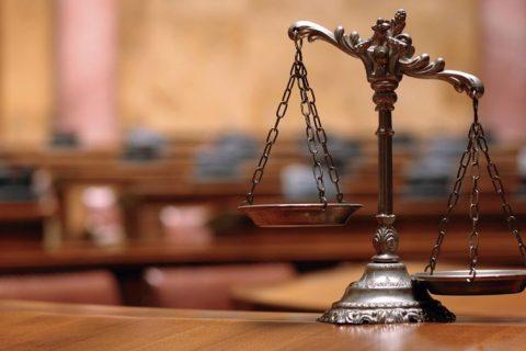 Главный редактор газеты оказался на скамье подсудимых за присвоение