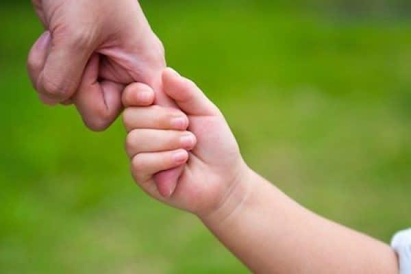 Sepuluh Bahasa Cinta Dalam Mendidik Anak (4)