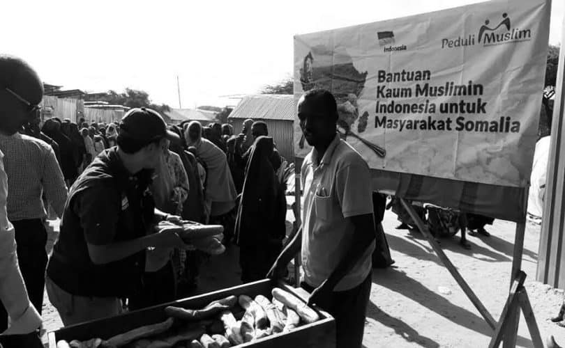 Saudara-Saudara Kita di Somalia Kelaparan, Mari Kita Segera Salurkan Bantuan !